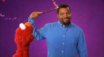 Ice Cube y Elmo enseñan en Plaza Sésamo