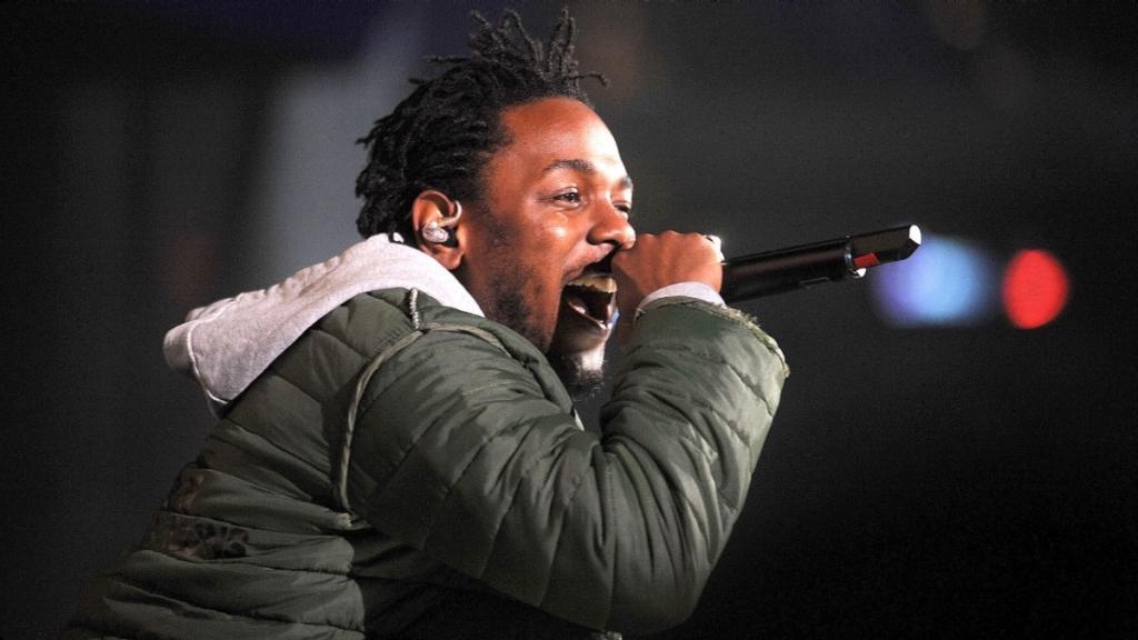 061015-Shows-BETA-Kendrick-Lamar-Road-to-BET-Awards-Summer-Jam