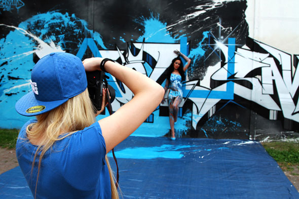 Graff on girls 2013 calendar molotow