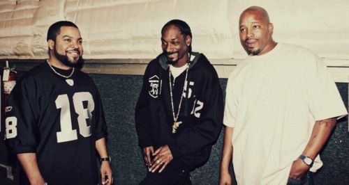 Snoop y Warren G en Straight Outta Compton