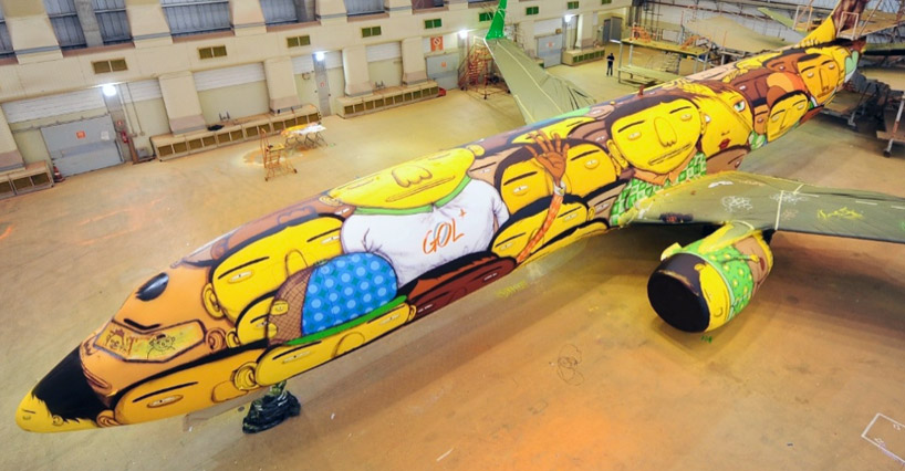 Boeing-737-Grafitti-Os-Gemeos-1