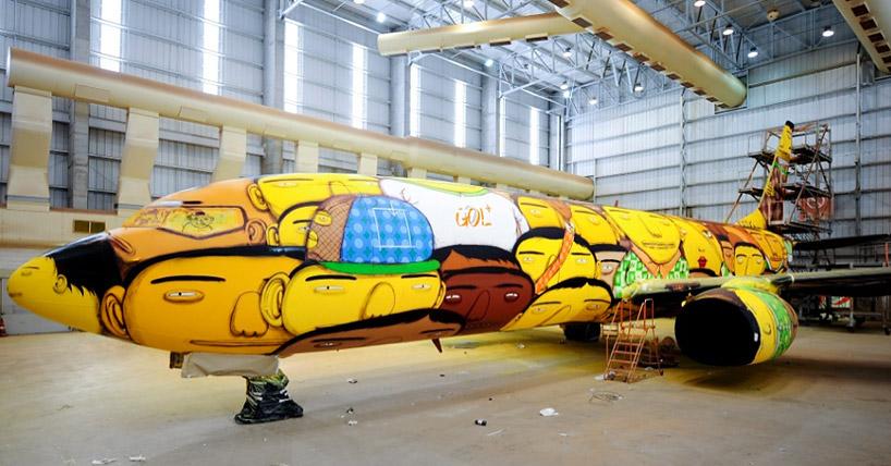 Boeing-737-Grafitti-Os-Gemeos-2