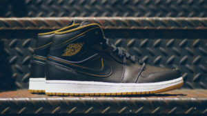 Air Jordan 1 mid black gold