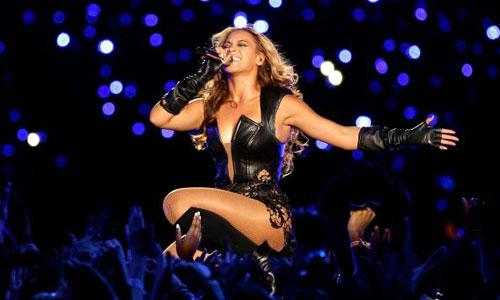 Beyonce enloquece a un fan en vivo